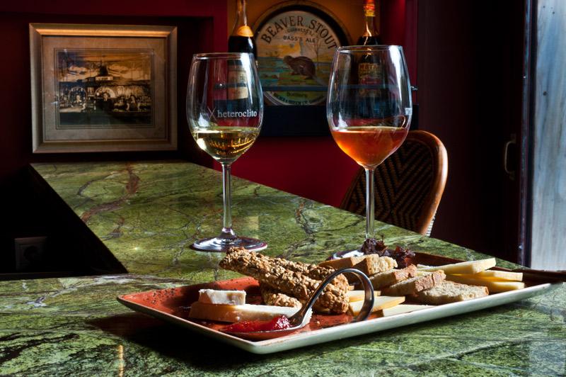 wine-bars-stin-athina1