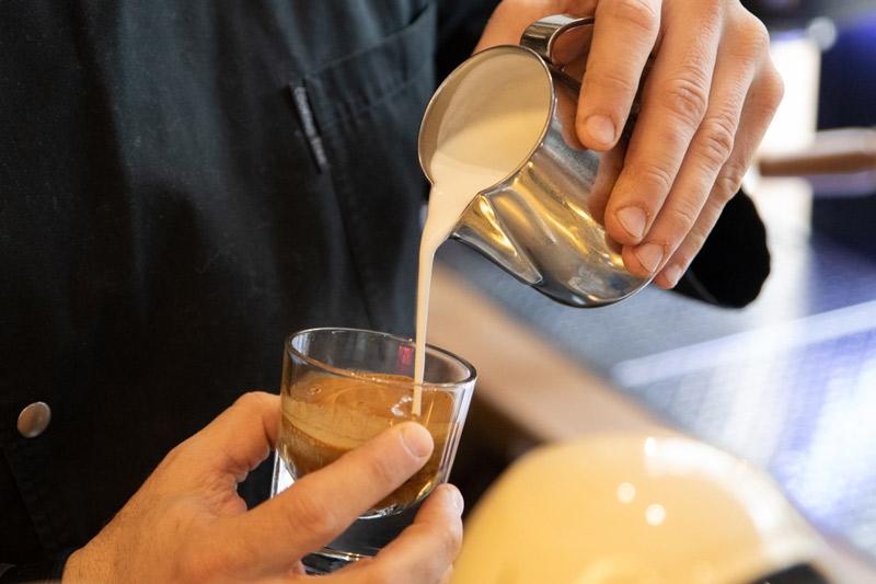 spill-the-beans-to-speciality-tis-polis-gia-kafe-kai-poto-oli-mera1