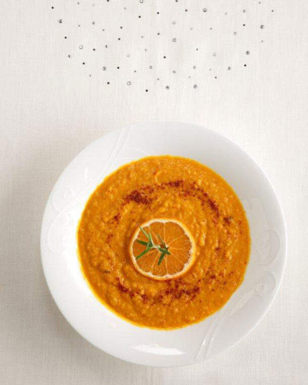 Καροτόσουπα με πορτοκάλι και καπνιστή πάπρικα