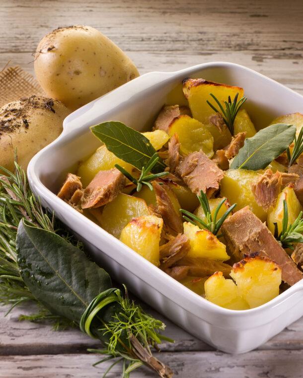 Πατάτες στο φούρνο, με φρέσκο τόνο και μουστάρδα με μέλι