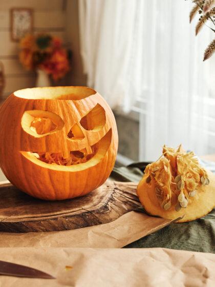 Πώς να σκαλίσω κολοκύθα για το Halloween, βήμα βήμα